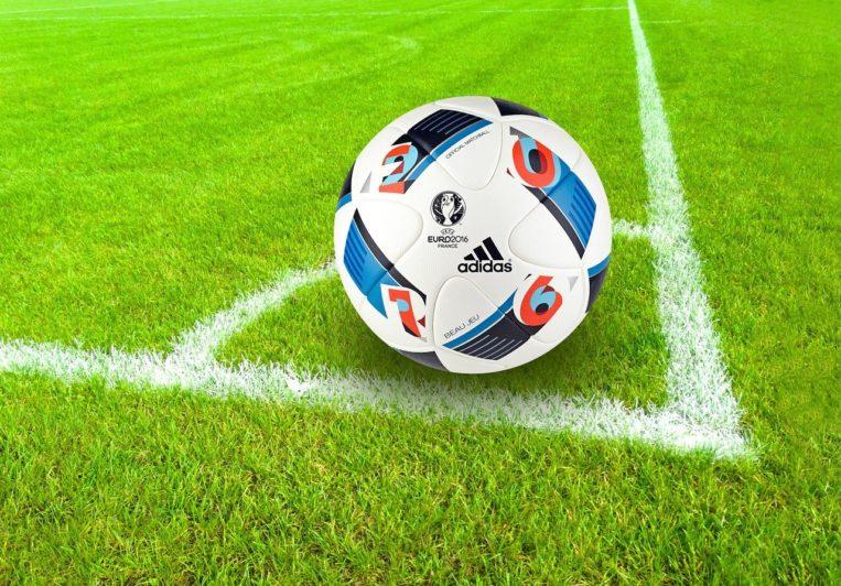Football Ball Sport Grass Field  - stux / Pixabay